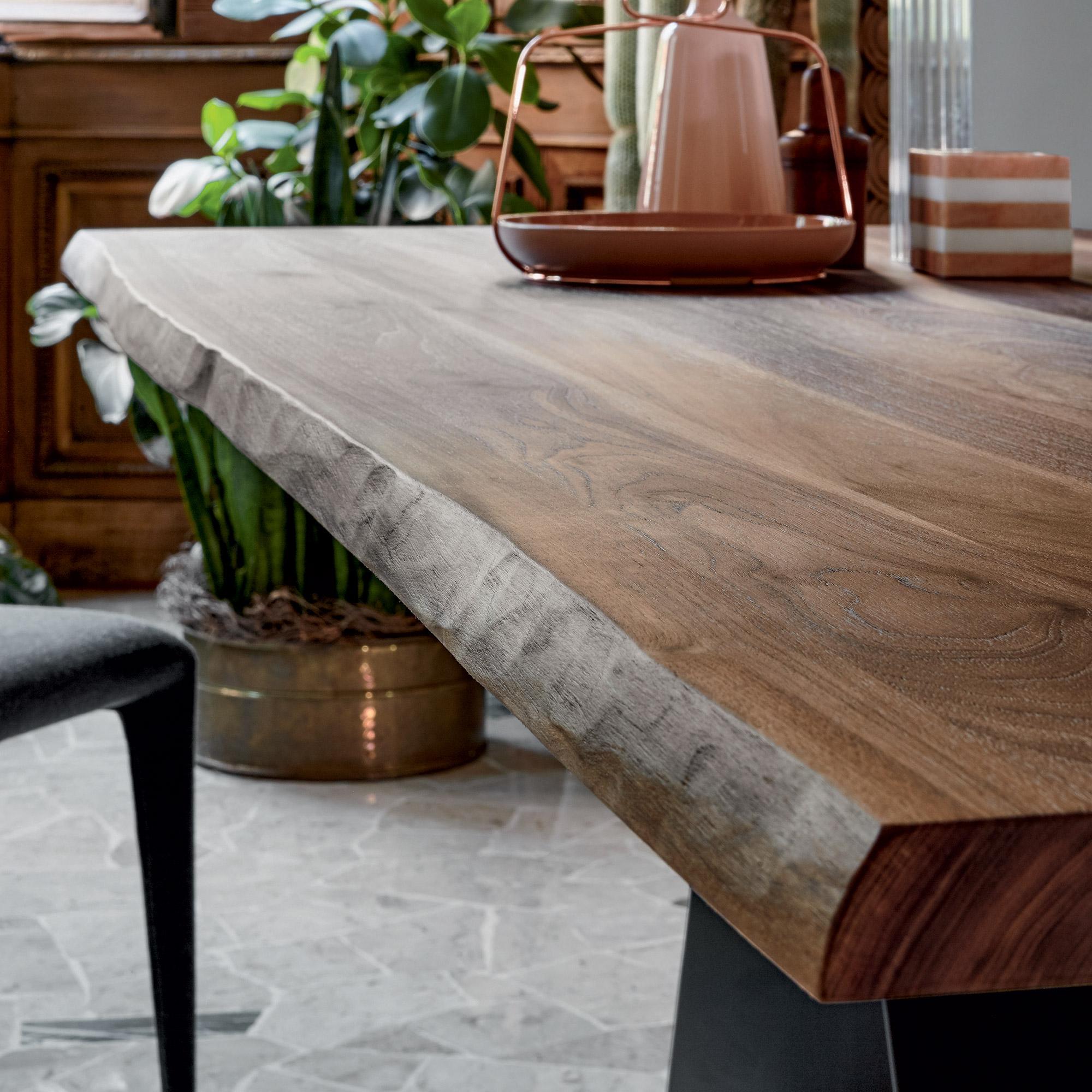 Charmant Bonaldo AX Tisch Mit Amerikanischer Nussbaum Tischplatte
