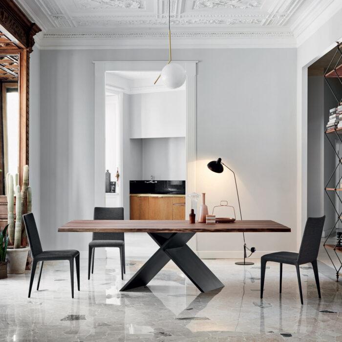 Bonaldo AX Tisch mit amerikanischer Nussbaum Tischplatte